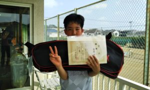 第42回 関町ローンテニスクラブ 小学生12歳以下優勝:西澤 諒哉選手