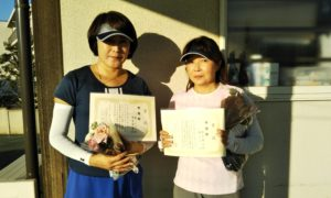 第1483回 関町ローンテニスクラブ 女子ダブルス準優勝:東・粕谷ペア