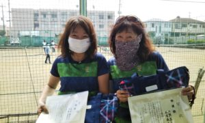 第1561回 関町ローンテニスクラブ 女子ダブルス準優勝:成清・大熊ペア