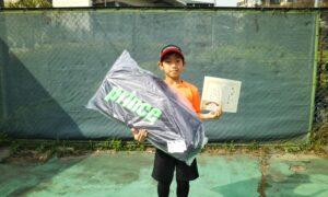 第49回 桜台テニスクラブ 小学生男子10歳以下優勝:向当 駈選手